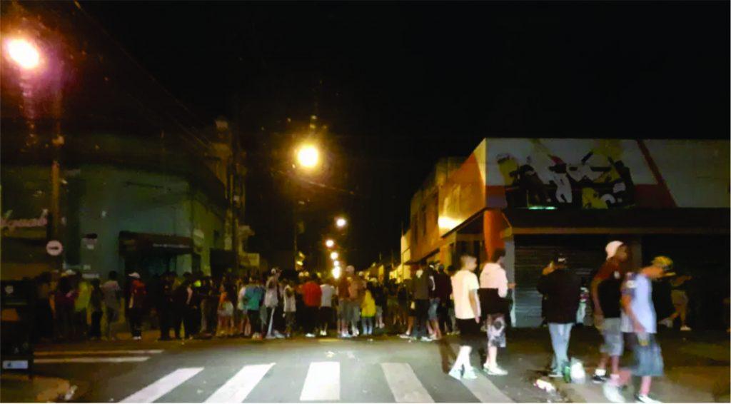 Pancadão organizado pela internet prejudica comerciante e perturba moradores da área central de Avaré