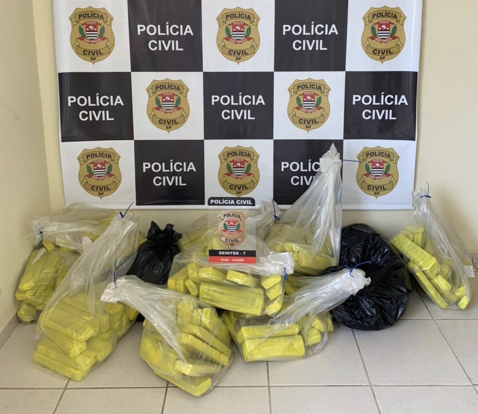 Polícia Civil de Avaré incinera 102 quilos de drogas apreendidas na Operação Narco