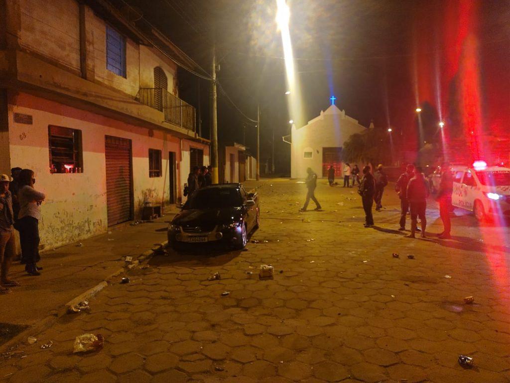 Policia Militar de Avaré acaba com baile Funk no bairro Barra Grande e jovens são enquadrados por crime de desobediência.