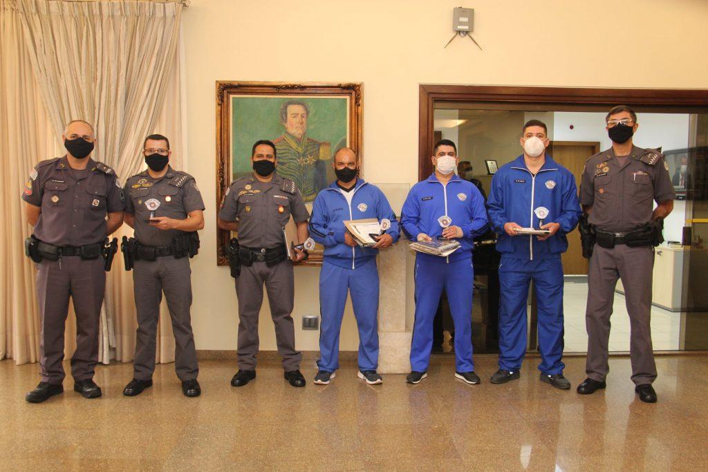 Policiais Militares feridos em explosão em Fartura são homenageados pelo Comandante Geral na capital