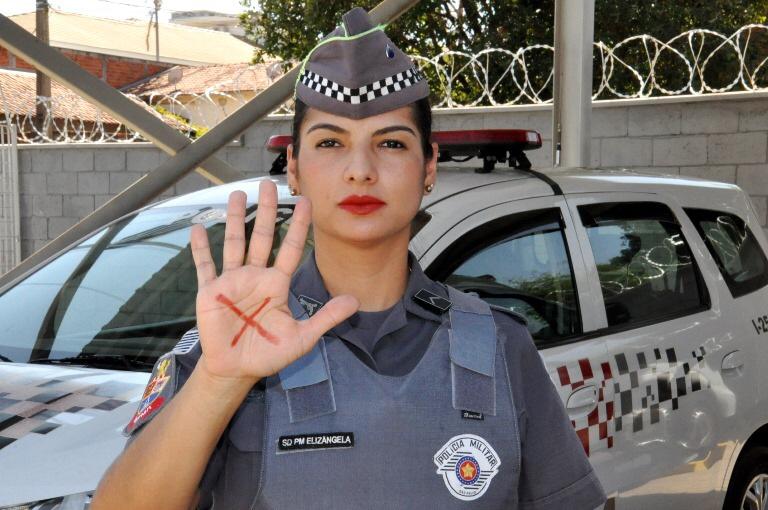 Polícia Militar faz campanha de combate e prevenção à violência contra a mulher